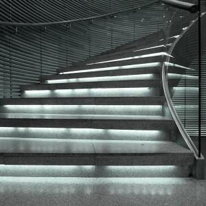 indirekte-treppen-beleuchtung-kaltweiß